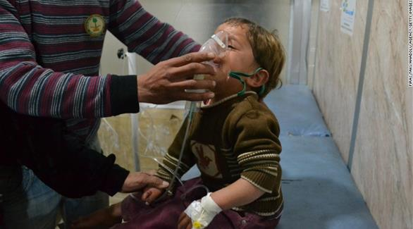 اخبار الامارات العاجلة 0201609060838924 سوريا: إصابة العشرات بالاختناق في هجوم بغاز الكلور على حلب أخبار عربية و عالمية