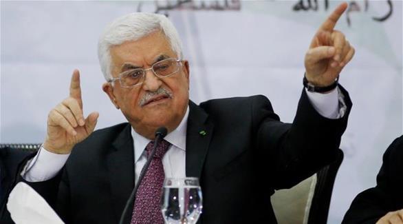 عباس يفصل وزيراً سابقاً من حركة فتح بسبب ترشحه على قوائم منافسة