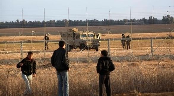 الجيش الإسرائيلي يقتل شاباً فلسطينياً وسط قطاع غزة