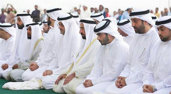 حاكم الشارقة يؤدي صلاة عيد الأضحى المبارك