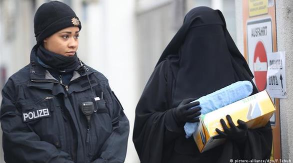 اخبار الامارات العاجلة 0201609140930121 ميركل تدعو إلى الحذر في الجدل بشأن النقاب أخبار عربية و عالمية