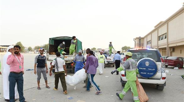 شرطة الشارقة تضبط 33 بائعاً متجولاً في الأسواق العشوائية
