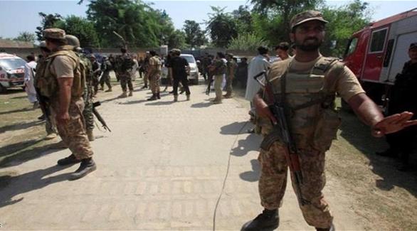 16 قتيلاً في هجوم انتحاري أثناء صلاة الجمعة بباكستان