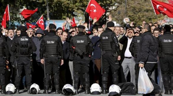 تركيا تعتقل 4 فيما يتصل بتهديد محتمل لبعثتي ألمانيا وبريطانيا