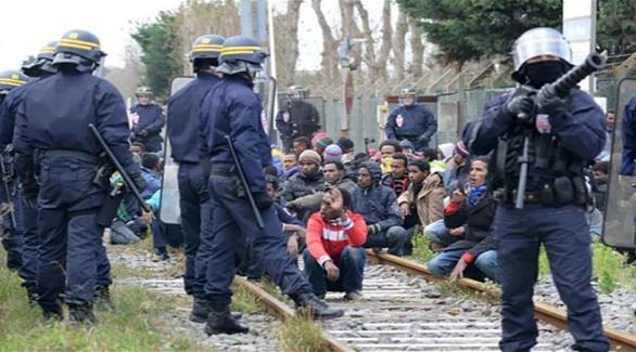 اشتباكات بين الشرطة الفرنسية ومهاجرين قرب ميناء كاليه