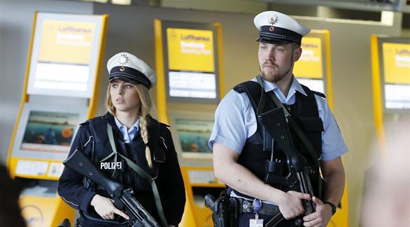 القبض على داعشي بمطار دوسلدورف في ألمانيا