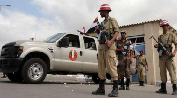 مصادر لـ24: مسلحون يغتالون ضابطاً متقاعداً في عدن