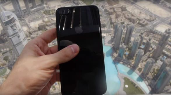 شرطة دبي لـ24: فيديو اختبار آيفون7 بإلقائه من أعلى برج خليفة مرفوض