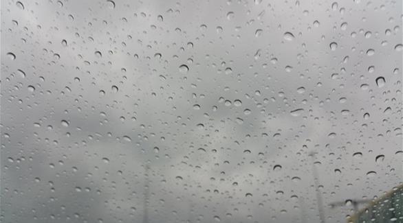 الأرصاد الإماراتية تحذر من أمطار ورياح اعتباراً من اليوم