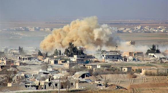 اخبار الامارات العاجلة 0201610050157579 المرصد: مقتل 19 مدنياً بغارات على قرية تحت سيطرة داعش في سوريا أخبار عربية و عالمية