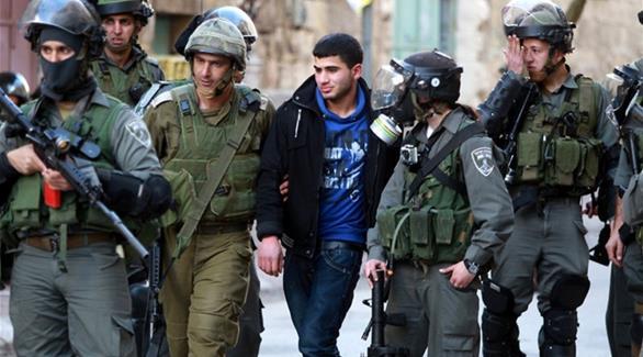 قوات إسرائيلية تعتقل 7 فلسطينيين في الضفة