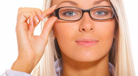 اخبار الامارات العاجلة 0201610150936120 علماء: قصر النظر هو نتيجة لحدة الذكاء أخبار الصحة  الصحة