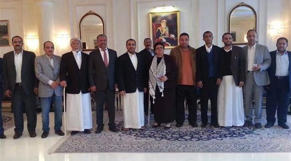 صفقة أمريكية حوثية تعيد وفد الانقلابيين إلى صنعاء