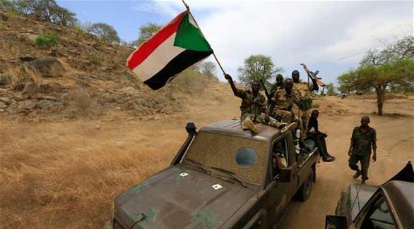 تحطم طائرة مروحية عسكرية أثناء التدريب في السودان