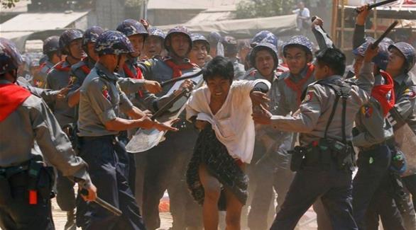 قتلى وجرحى باشتباكات بين الجيش والروهينغا في ميانمار