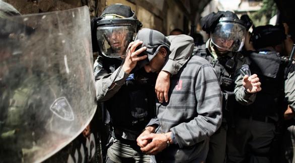 قوات الاحتلال تعتقل 4 فلسطينيين في الخليل