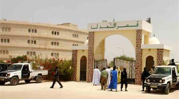 موريتانيا: مطالب بتنفيذ حكم الإعدام في مدون أساء إلى الرسول