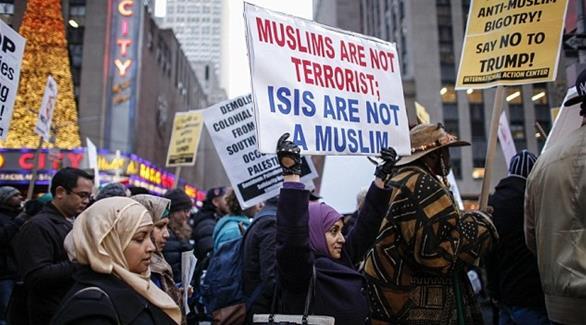 اخبار الامارات العاجلة 0201611190837136 رئيس منظمة يهودية: إذا وضع ترامب سجلاً بالمسلمين سأدوّن اسمي فيه أخبار عربية و عالمية