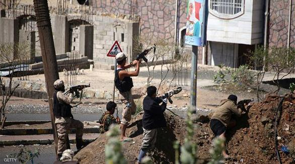 أكثر من 30 قتيلاً في اشتباكات عنيفة باليمن