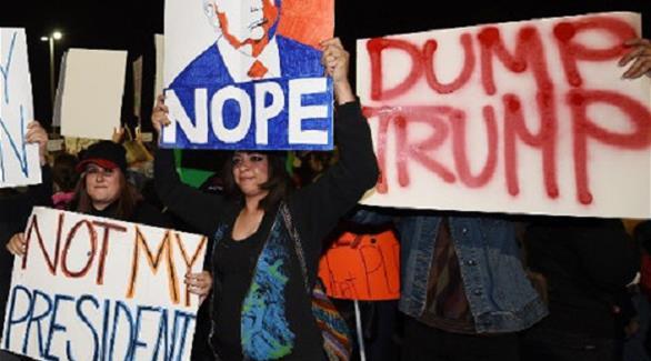 """مئات من الأمريكيين يتظاهرون في باريس ضد """"قيم"""" ترامب"""