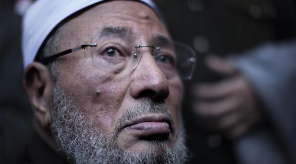 مصادر لـ24: مصر طالبت الإنتربول بضبط وإحضار القرضاوي وعزت وطبيب بن لادن