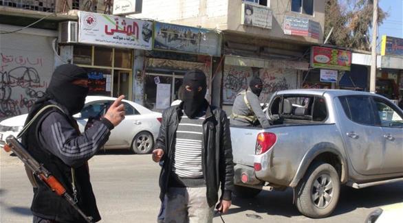 داعش يداهم مقاهي الإنترنت ويعتقل 100 شاب في الرقة