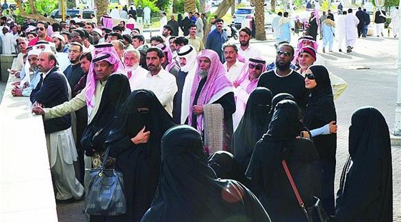 8 سعوديين وسعوديات يغيرون أسماءهم يومياً
