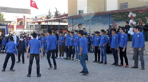 وفاة 12 شخصاً في حريق في مدرسة أطفال في تركيا