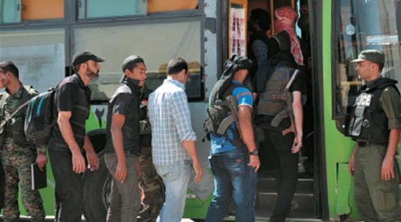 سوريا: خروج الدفعة الثانية والأخيرة من مسلحي خان الشيح إلى إدلب