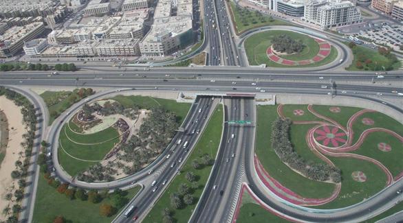 الإمارات الرابعة عالمياً جودة خدمات
