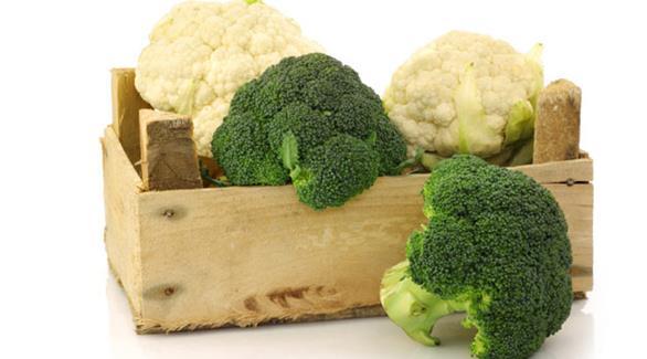 مقارنة بين القيمة الغذائية للبروكلي والقرنبيط