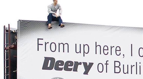 لوحة إعلانية تثير الرعب بالولايات المتحدة