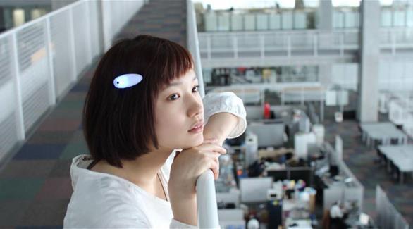 مساعدة مرضى الصم على التفاعل دبوس شعر ذكي يترجم الأصوات إلى ذبذبات محسوسة 201510191139300.Jpeg