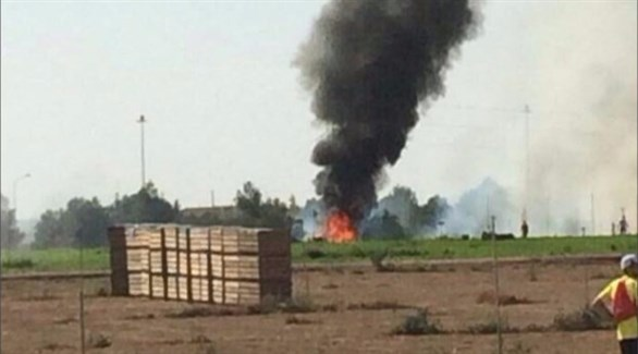 النيران تتصاعد من حطام الطائرة العسكرية المنكوبة
