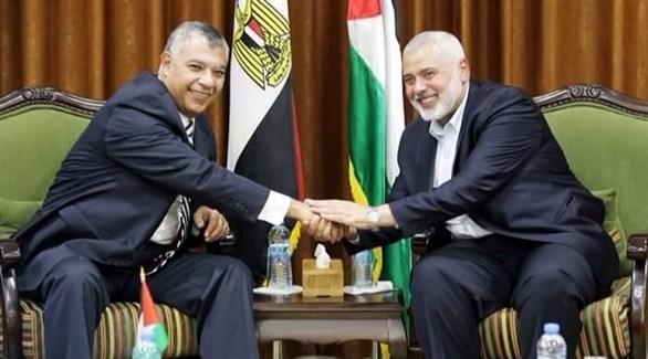 رئيس حركة حماس هنية ووزير المخابرات المصرية فوزي (أرشيف)