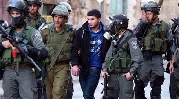 قوات إسرائيلية تعتقل فلسطينيين من الضفة 20174231120183663V.j