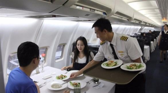 5 حقائق مغلوطة عن طعام الطائرة