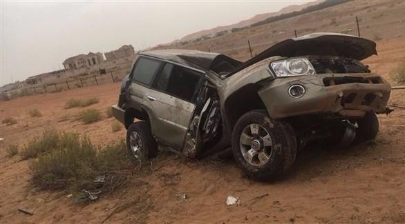 مركبة الشابين بعد الحادث (شرطة أبو ظبي)