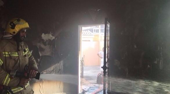 جانب من عملية إخماد الحريق (24)