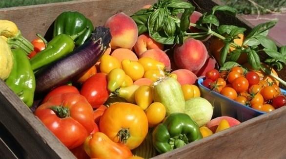 تناول المزيد من الخضروات والفواكه الطازجة