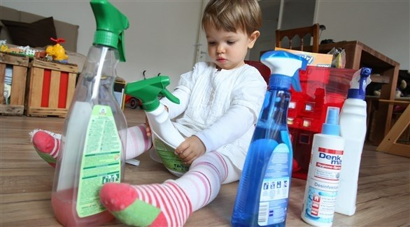 إبعاد المنظفات عن الأطفال ضرورة حتمية