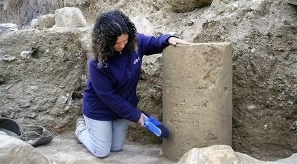 جانب من أعمال الحفر للعامود المكتشف (سلطة الآثار ومتحف إسرائيل)