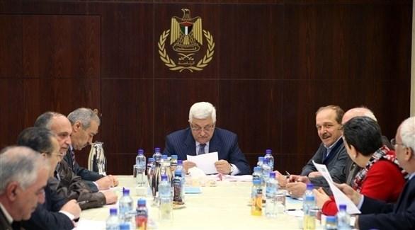 اجتماع سابق للجنة التنفيذية لمنظمة التحرير الفلسطينية برئاسة محمود عباس (أرشيف)