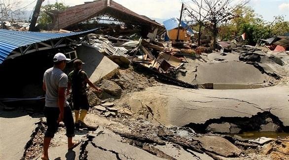 آثار الزلزال المدمر في أندونيسيا (أرشيف)