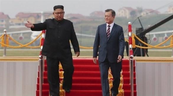 رئيس كوريا الجنوبية مون جاي إن ونظيره الكوري الشمالي كيم جونغ أون (أرشيف)