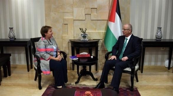 رئيس الوزراء الفلسطيني رامي الحمد الله والمبعوثة الأوروبية الجديدة للسلام  سوزانا تيرستال (دنيا الوطن)