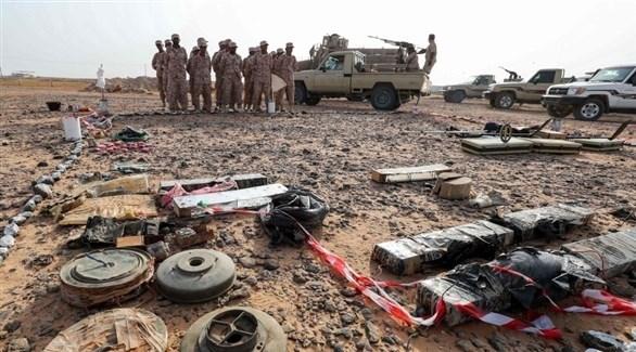 عناصر من الجيش الوطني اليمني يستعدون لتفكيك ألغام حوثية (أرشيف)