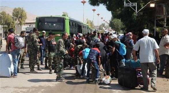 خروج المدنيين من دريا بعد سيطرة النظام عليها في 2016 (أرشيف)
