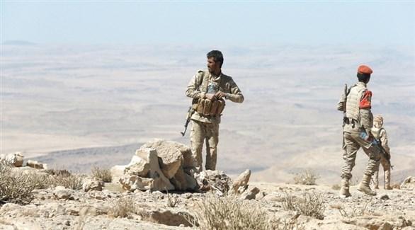 قوات من الجيش اليمني في إحدى مناطق نهم بالقرب من صنعاء (رويترز)