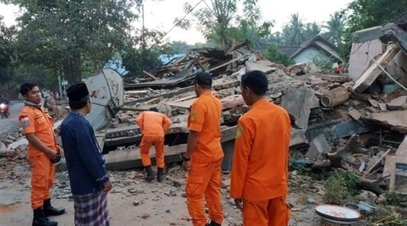 آثار الزلزال في أندونيسيا (أرشيف)